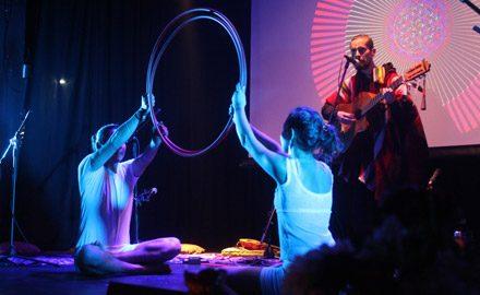 La danza de Ivo y Magda, en lanzamiento campaña Comunidad Caravana <br/>Sala IPA Valparaíso