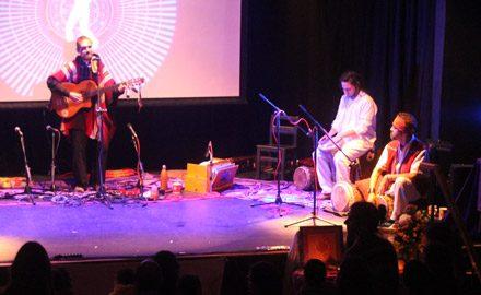 Con Nico y Ángel, en lanzamiento campaña Comunidad Caravana <br/>Sala IPA Valparaíso